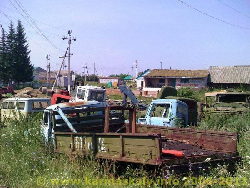 Фотография в Кармаскалинском районе: Кладбище железных коней